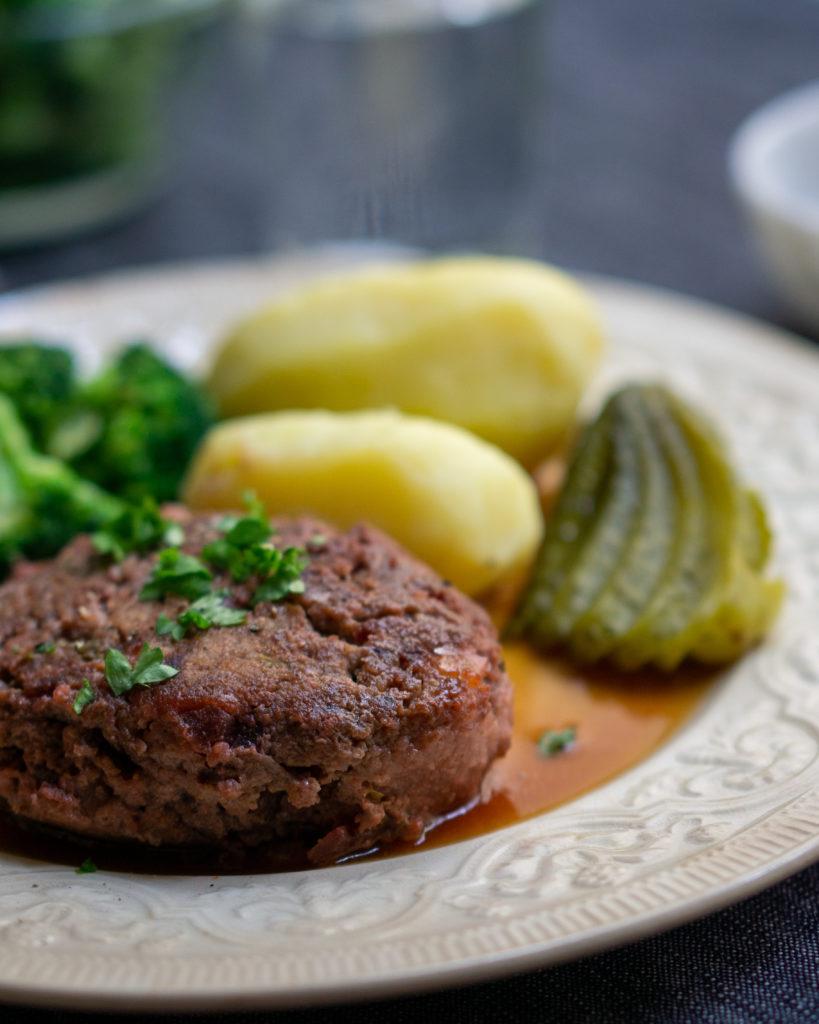 biff à la Lindström - Swedish beef patties à la Lindström